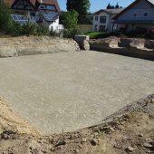 Mit der Herstellung des Planums wird die Baugrube für den Einbau der D-Raintank 3000®-Elemente vorbereitet. (Foto: Funke Kunststoffe)