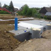 Neben dem System D-Raintank 3000® kamen in Sasbach auch HS®-Kanalrohre in verschiedenen Nennweiten und Funke Reinigungsschächte zum Einsatz. (Foto: Funke Kunststoffe)