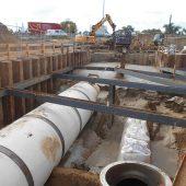 Die bis zu 11 Meter tiefen Baugruben ließen sich mit Flüssigboden schnell und einfach verfüllen. Fotos: Ingenieurgesellschaft Prof. Dr.-Ing. E. Macke mbh.