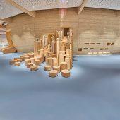 """Mittelpunkt der Kinderwelt ANOHA ist die riesige Arche im """"Kautschuk-Meer"""""""