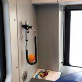 Ein Handmikrofon von pei tel in einem Zug der Baureihe 483/484. (Foto: pei tel)